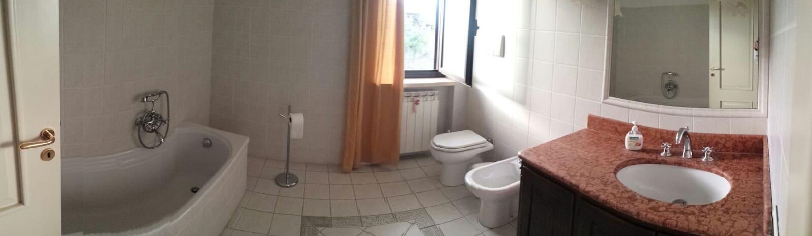 Fantastiche stanze indipendenti 1minuto dal mare2 - Belvedere Marittimo - Huis