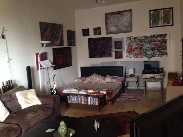 Cozy and artistic Appartment. - Dbayeh - Appartement