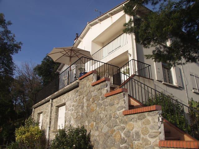Spacious villa with mountain views - Maureillas-Las-Illas - Hus