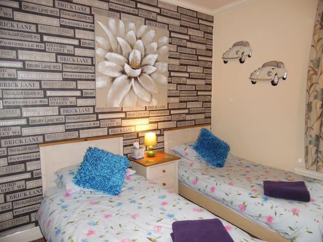 B&B Guest House in Halifax West Yorkshire - Halifax