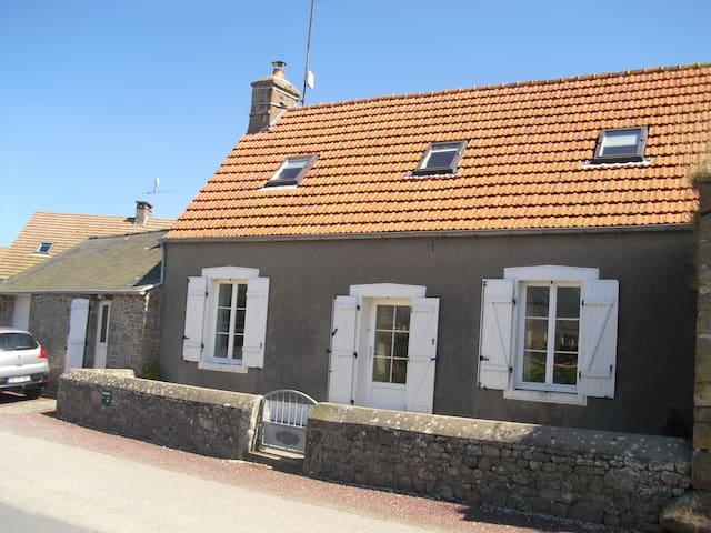 maison proche de la mer entre Cherbourg & Barfleur - Réthoville