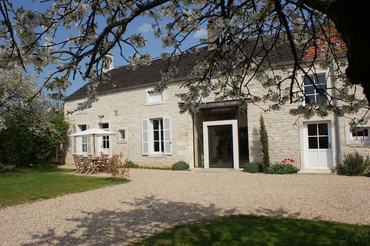 ancienne maison de vigneron - Tailly - Dom