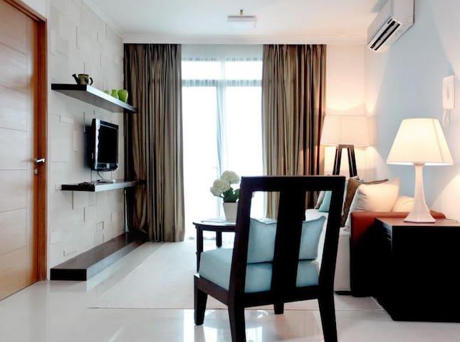 Best location 2BR flat in Pondok Indah, FREE WIFI - Kota Jakarta Selatan - Leilighet