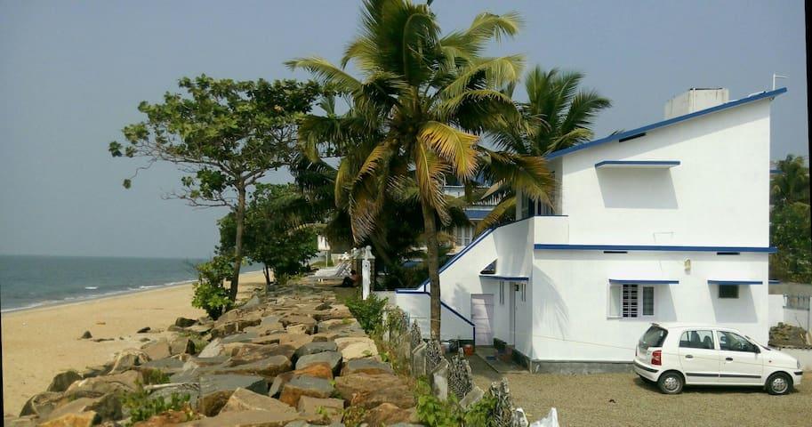 Haus direkt am Strand von Cherai - Cherai Beach. Kerala - Hus