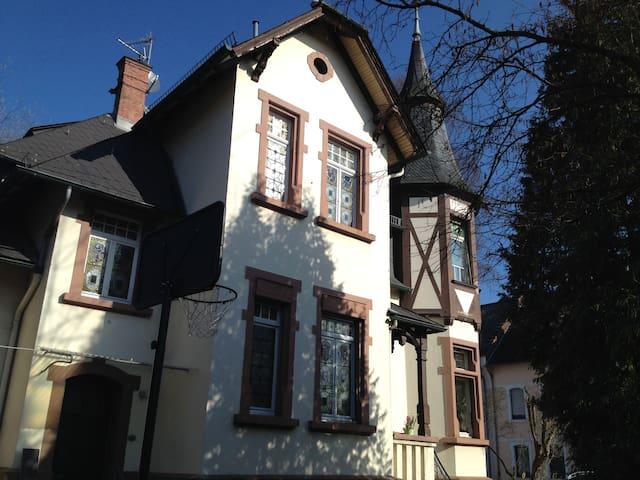 Schöne alte Villa in Idstein - Idstein - Huvila