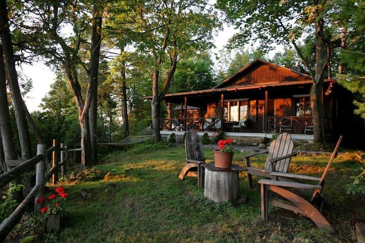 Scenic Cottage on Lake Champlain - シャーロット - 一軒家