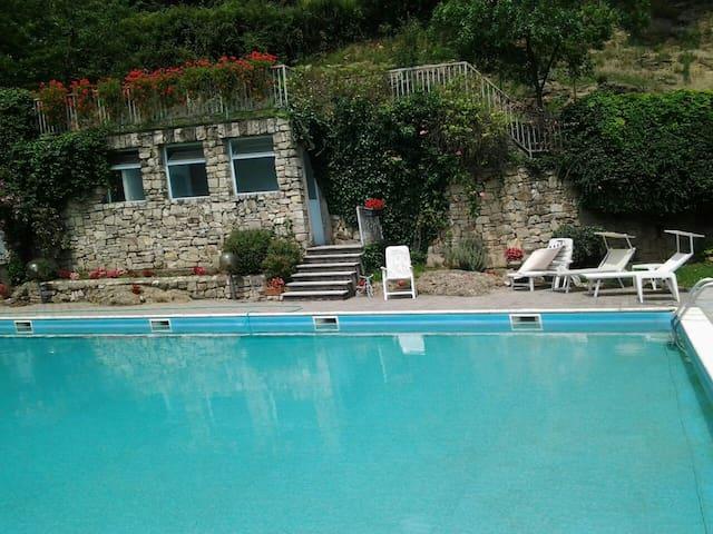 relax in collina a 2 passi dal lago - Celatica-tolari - Appartement