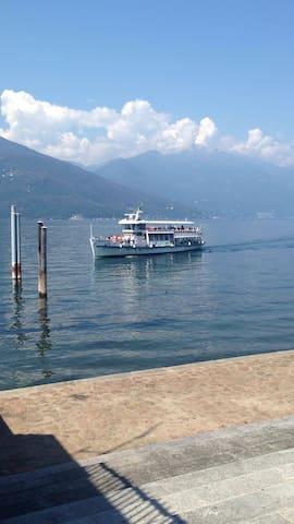 Villa Dacia with lake view - Luino - Casa