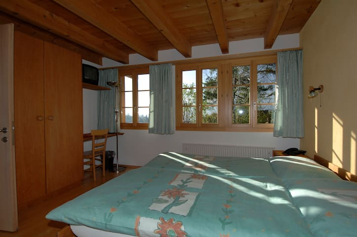 Pension Chalet Berkana / BnB - Hasliberg - Bed & Breakfast