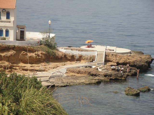 Résidence dans une casbah pieds dans l'eau - Aïn Tagouraït ex Berrar, Wilaya de Tipaza, Algérie - Villa