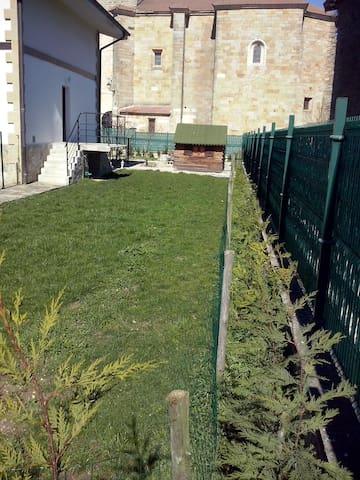 Habitación Casa con jardin (Chambre-BedRoom) - Eguilaz-Egilatz - Townhouse