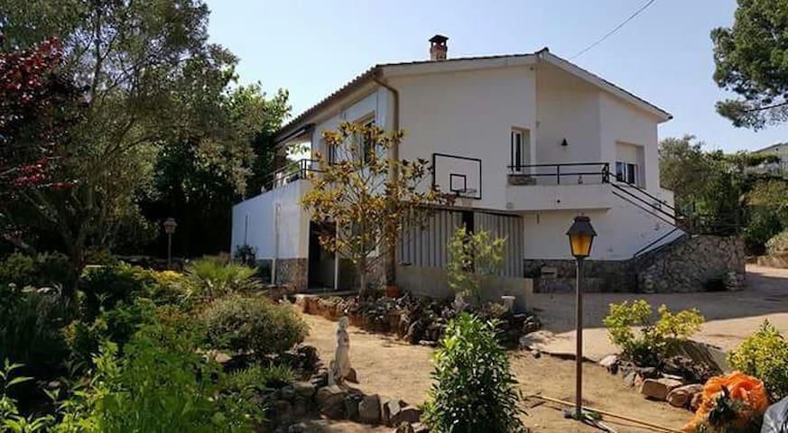 Casa con piscina a 15' de la playa - Montbarbat - Ev