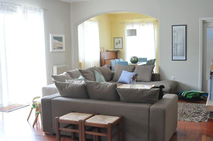 Spacious apartment in Kifissia - Kifisia - Departamento