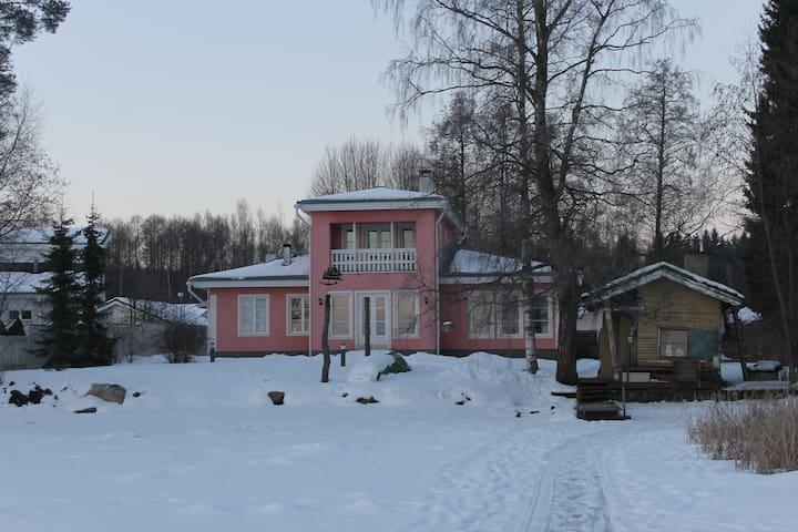 Private rooms 2-4 persons in lakeside Villa - Lahti - Hus