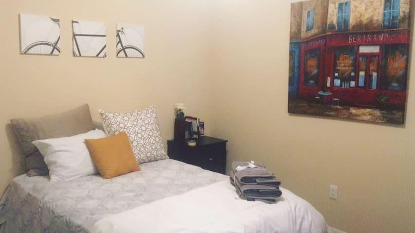 Private 1bedroom Retreat by Lake - Sanford - Leilighet