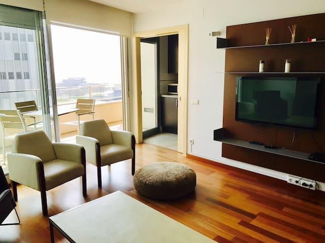 Penthouse with sea views and swimming pool - Sant Adrià de Besos - Kondominium