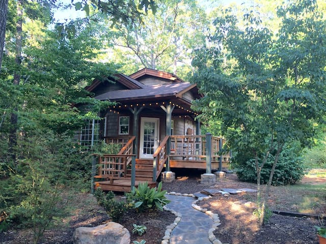 Game Day Cottage in the Woods - Anderson