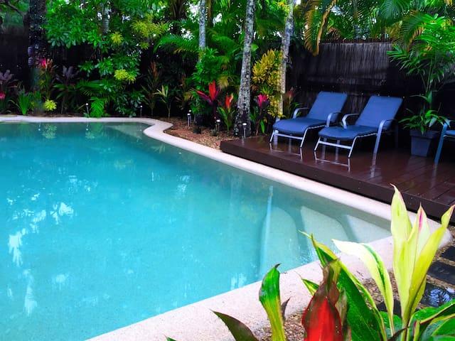 2 Bed, 2 Bathroom villa, Private pool & free Wi-Fi - Palm Cove - Villa