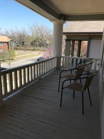 Cozy, Private, Historic Mesta Park Apartment! - Oklahoma City - Appartement