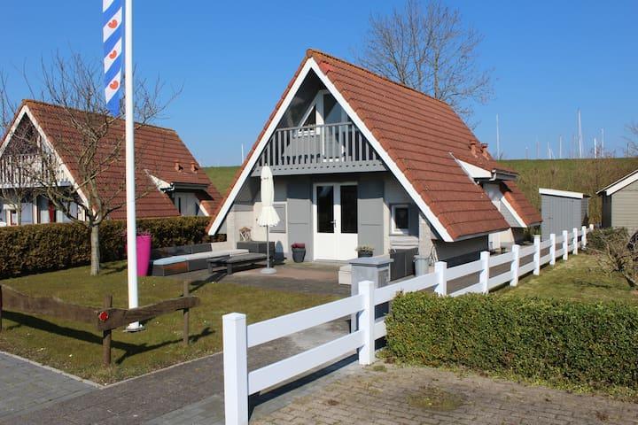 6 pers. Luxe Vakantiewoning Oostmahorn Waddenzee - Anjum - Ev