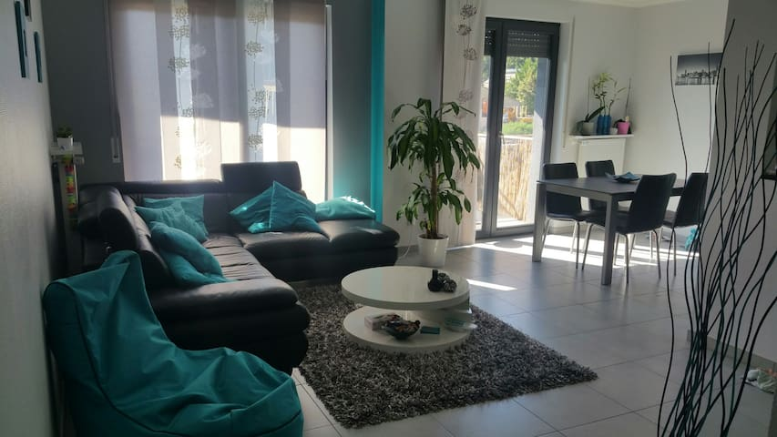 Beautiful apartment 70m2 - Kayl - Huoneisto