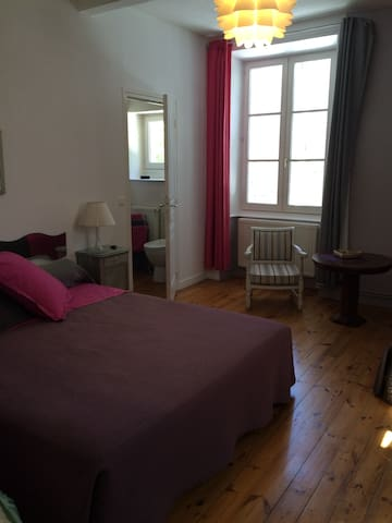 Chambre Rosa d'Aromm - Ouches - Bed & Breakfast