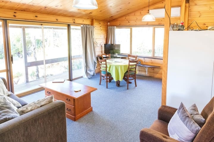 Cosy, spacious, relaxing, Ruapehu Alpine Retreat - National Park - Casa