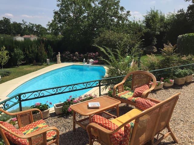 chambre privée dans villa - Bergerac - Huis