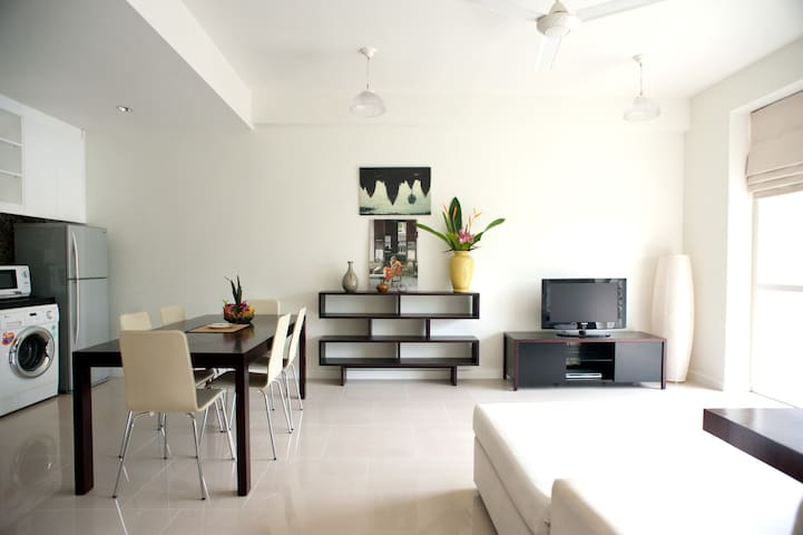 Luxury Apartment with Private Garden + Riverview - Krong Siem Reap - Huoneisto