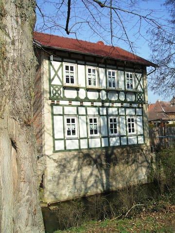 Beautiful half-timbered house, center of Meiningen - Meiningen - Daire