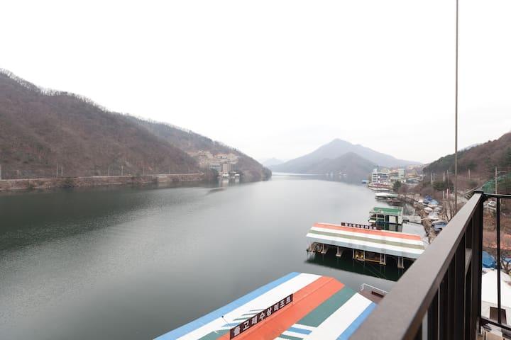 """[가평:청평] """"특별할인"""" 복층 Couple room 1️️ - Seorak-myeon, Gapyeong-gun - Loft"""