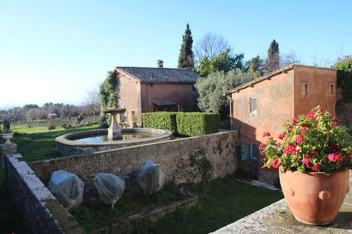 Villa antica nei Castelli romani - Grottaferrata - Dům