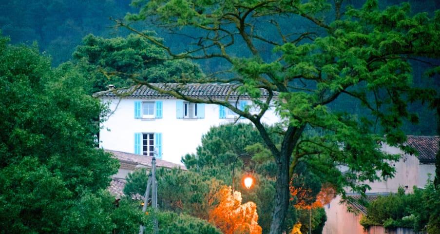Romantisches Maison de Mathilde/Provence - Propiac - Ev