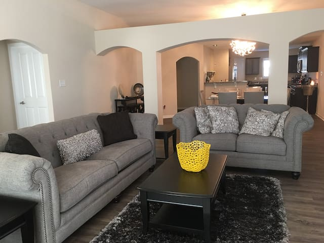 Beautiful, Fully Furnished New Home / Bedroom - New Bern - Huis