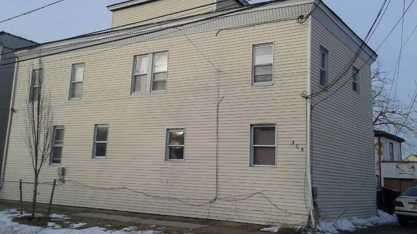 4 bedroom Apartment for rent, 2 floors - Plainfield - Lägenhet