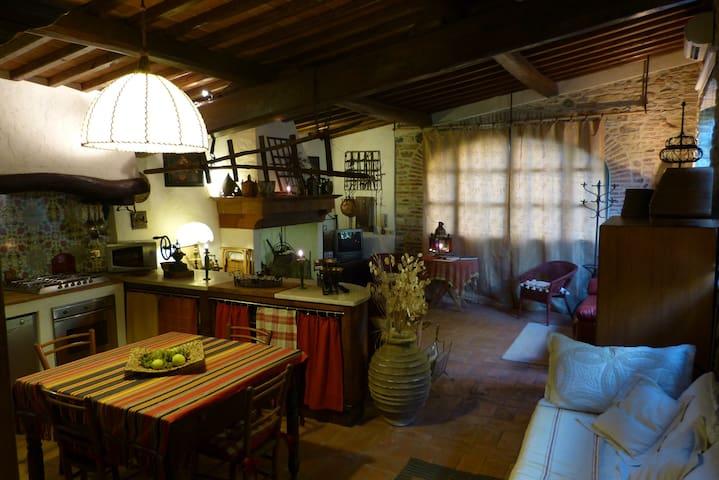 Romantic loft in a Tuscan farmhouse - Stazione Masotti - Loft