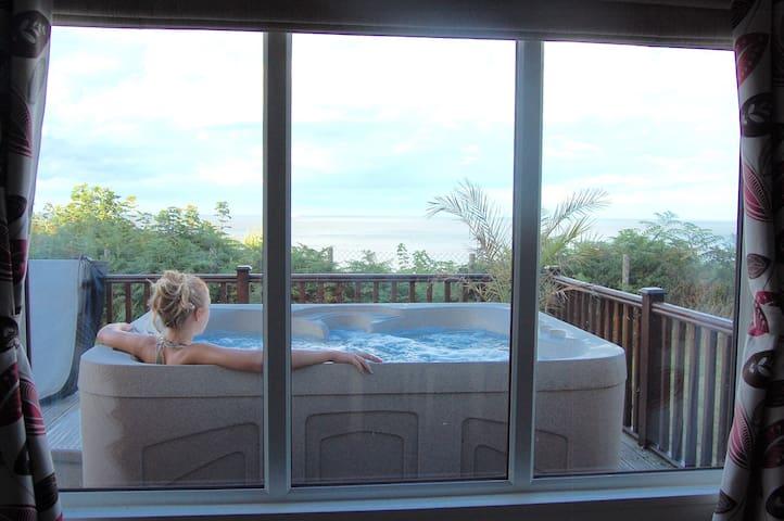 Luxury Cliff Top Lodge. Hot Tub & WiFi. - Corton - Huis