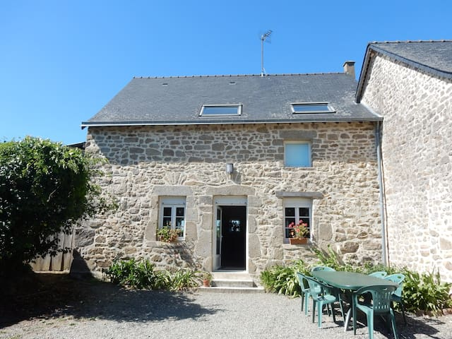 Stone house in a farmhouse (100m²) - Hambers