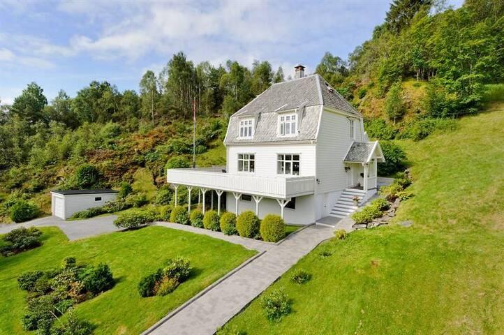 House in Askøy - Bergen - Askøy - Talo