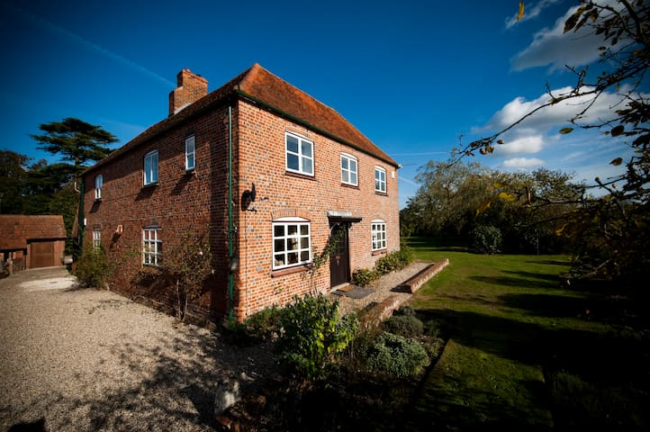 Home Farmhouse, Berkshire - West Berkshire
