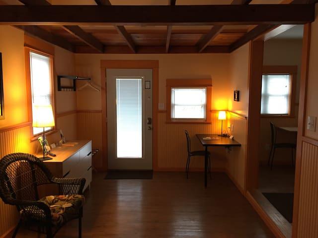 Jailhouse Suites Union Cottage Master Suite - Yellow Springs - Departamento