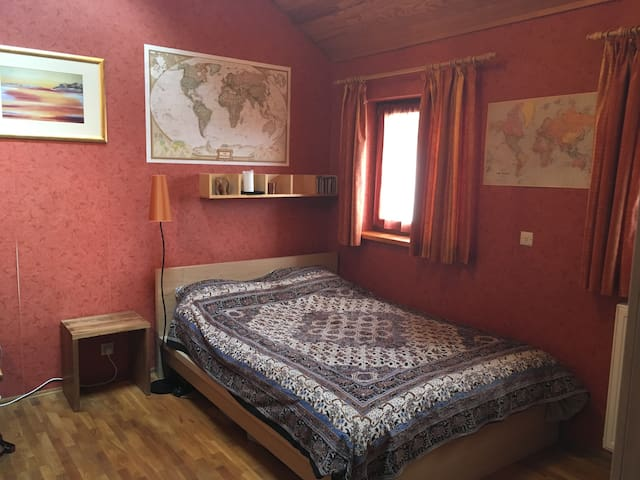 Cozy private room in the Luxembourgish countryside - Eischen - 獨棟