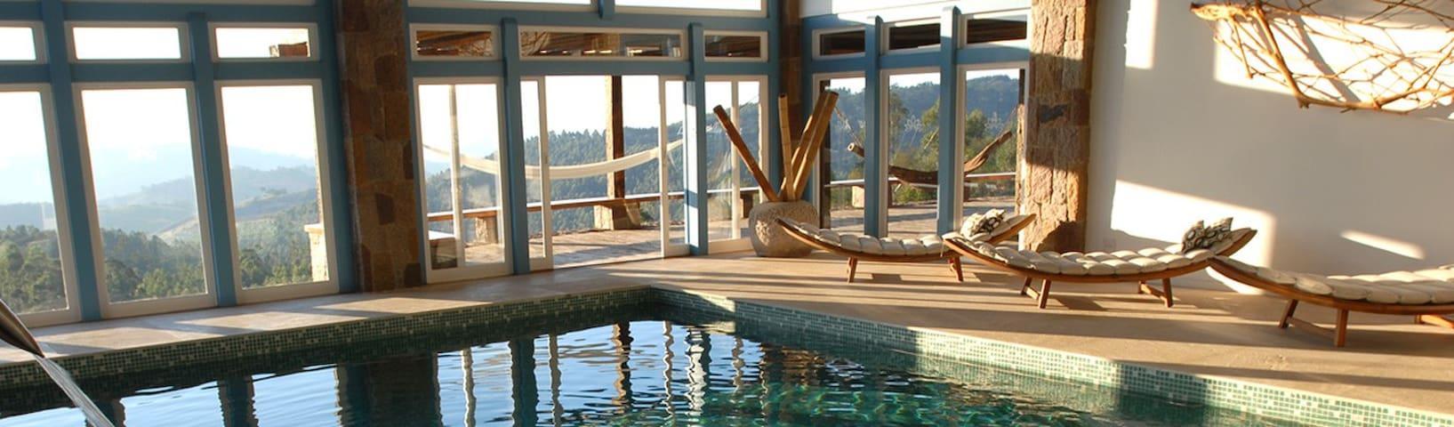 Lake Vilas Charm Hotel - Amparo - キャビン
