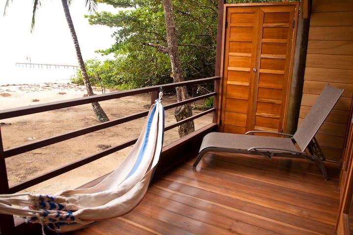 Beachfront Villa w/One-bedroom Loft & WIFI (#2) - Bastimento - Loft