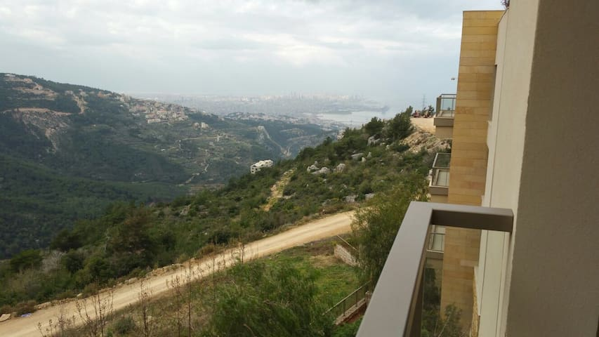 Great 3 bedrooms with Amazing view - Beirut - Departamento