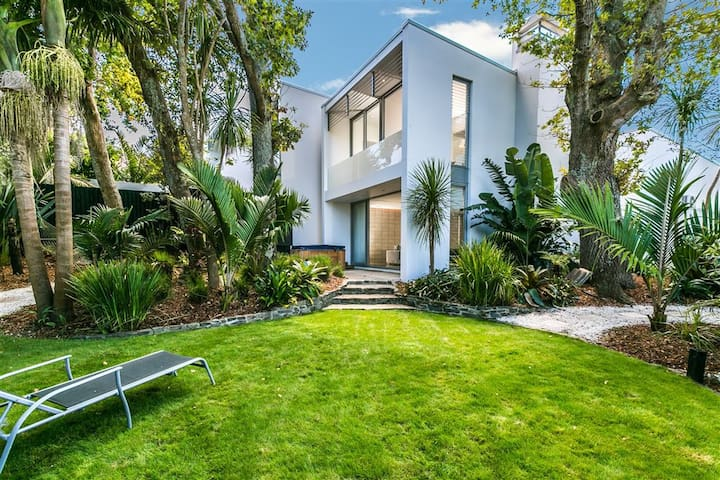 Herne Bay luxury townhouse - double bedroom - Auckland