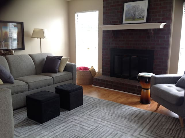 Your home in our town - Murfreesboro - Talo