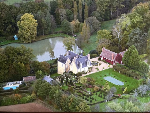 COUNTRY CHATEAU IN LOIRE VALLEY - Le Boulay - Huis