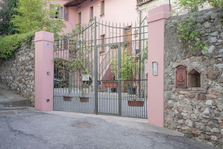 La Corte di Villa - Pieve Room - Padenghe Sul Garda - Bed & Breakfast