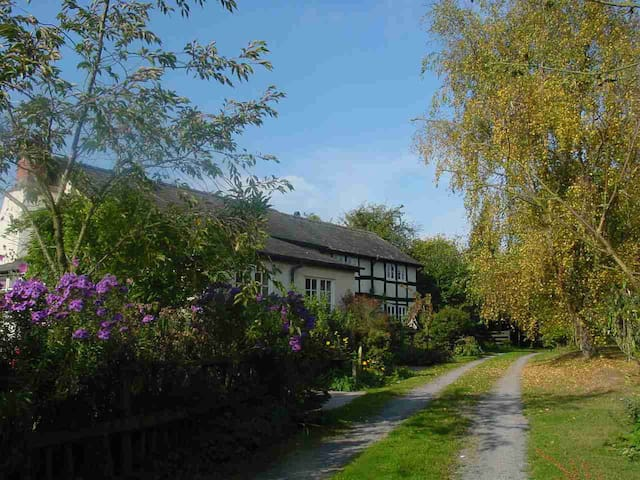 Country retreat near Pembridge, Herefordshire - Herefordshire - Casa